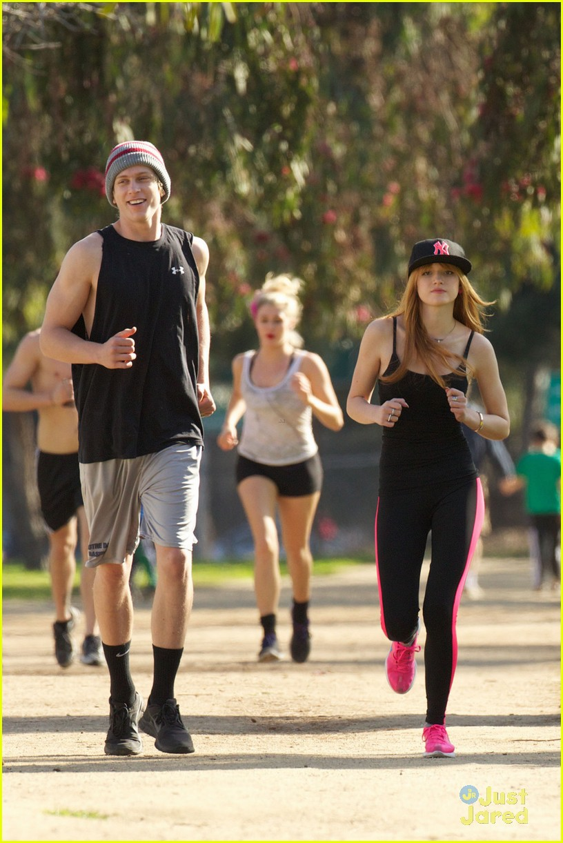 bella thorne tristan klier park workout 03