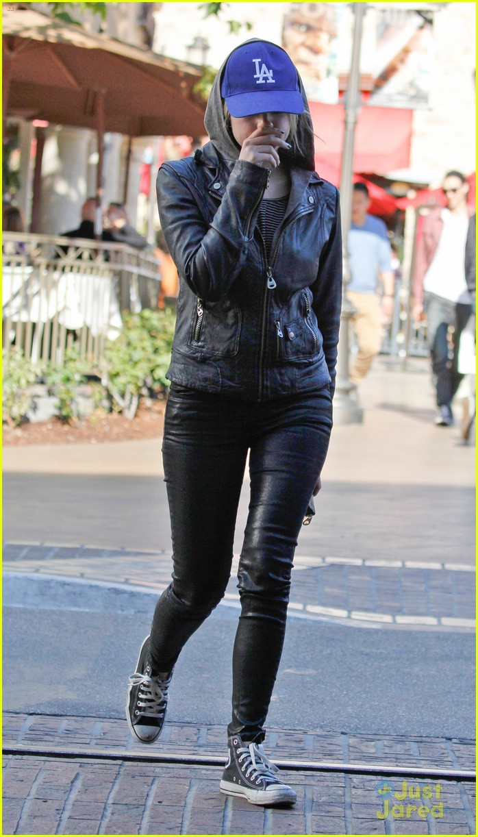 ashley benson movie at the grove 04