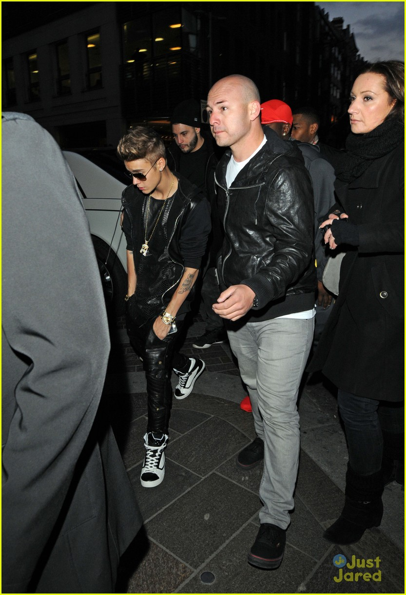 Justin Bieber Shoe Shopping With Will Welcome To Xclusive Africa 39 S Blog
