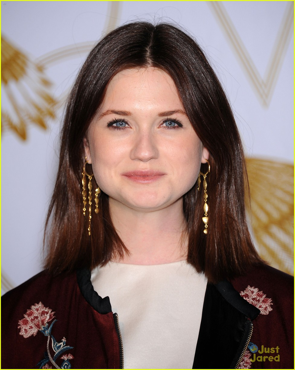 bonnie wright ejaf lovegold 01