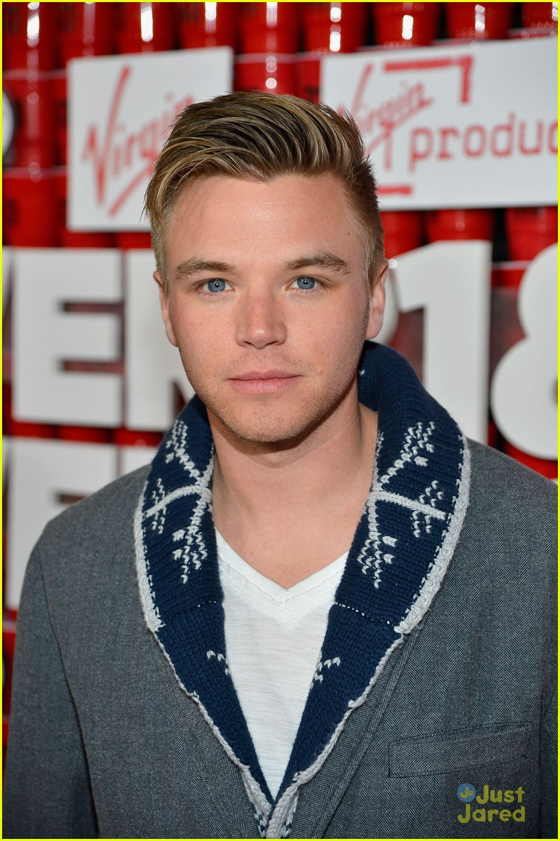 brett davern jackson harris 21 over 04