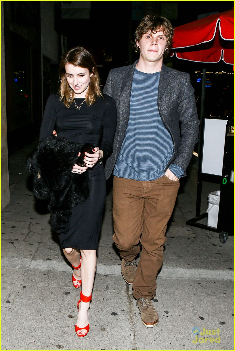 emma roberts evan peters vday dinner 05