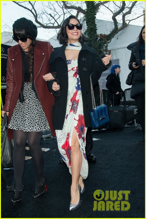 vanessa hudgens dvf fashion show 05