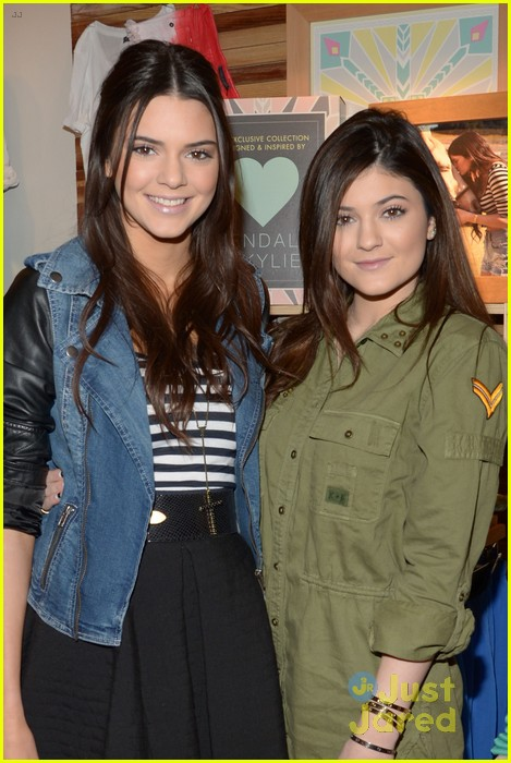 kendall kylie jenner pacsun line debut 03