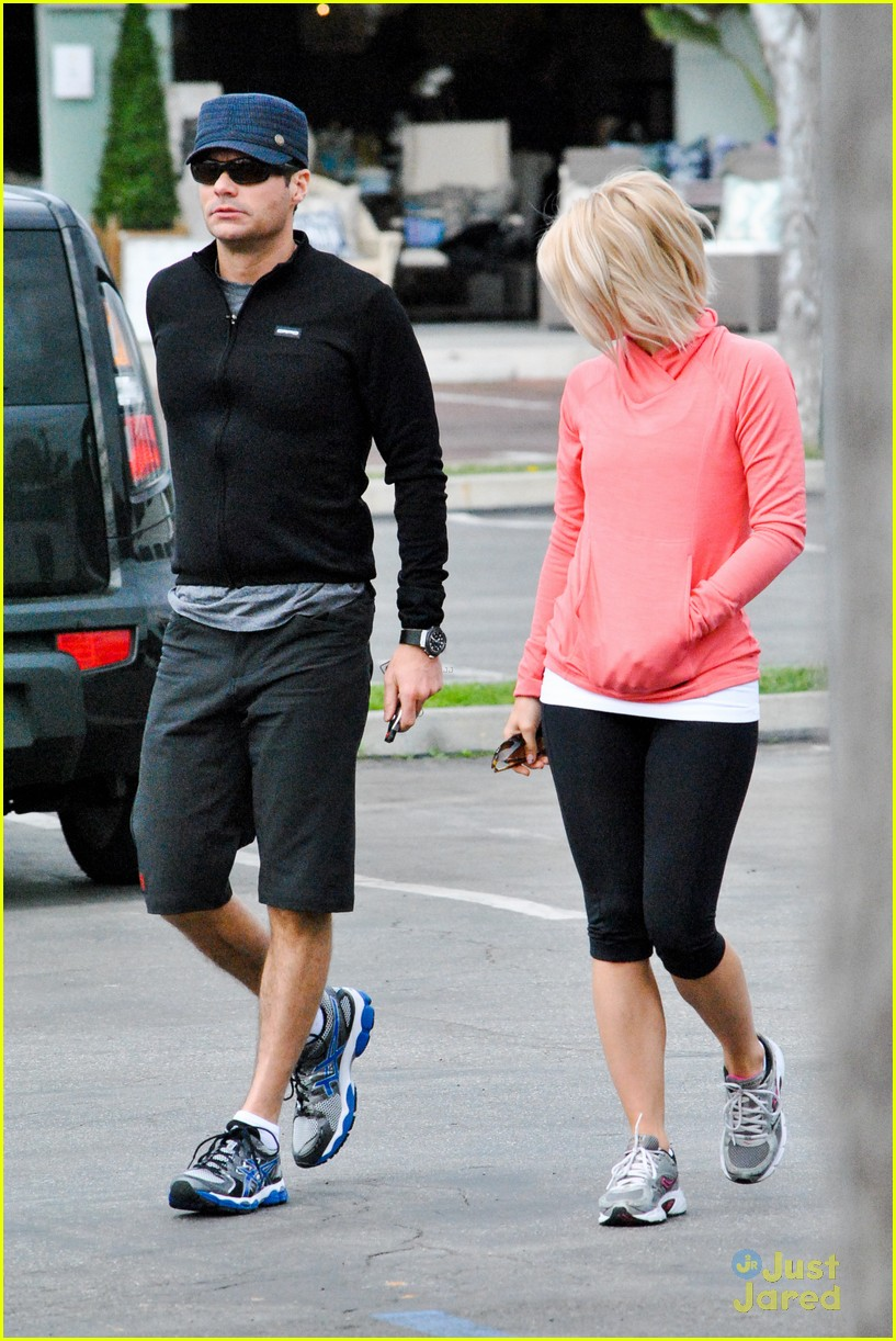 julianne hough coffee run 07