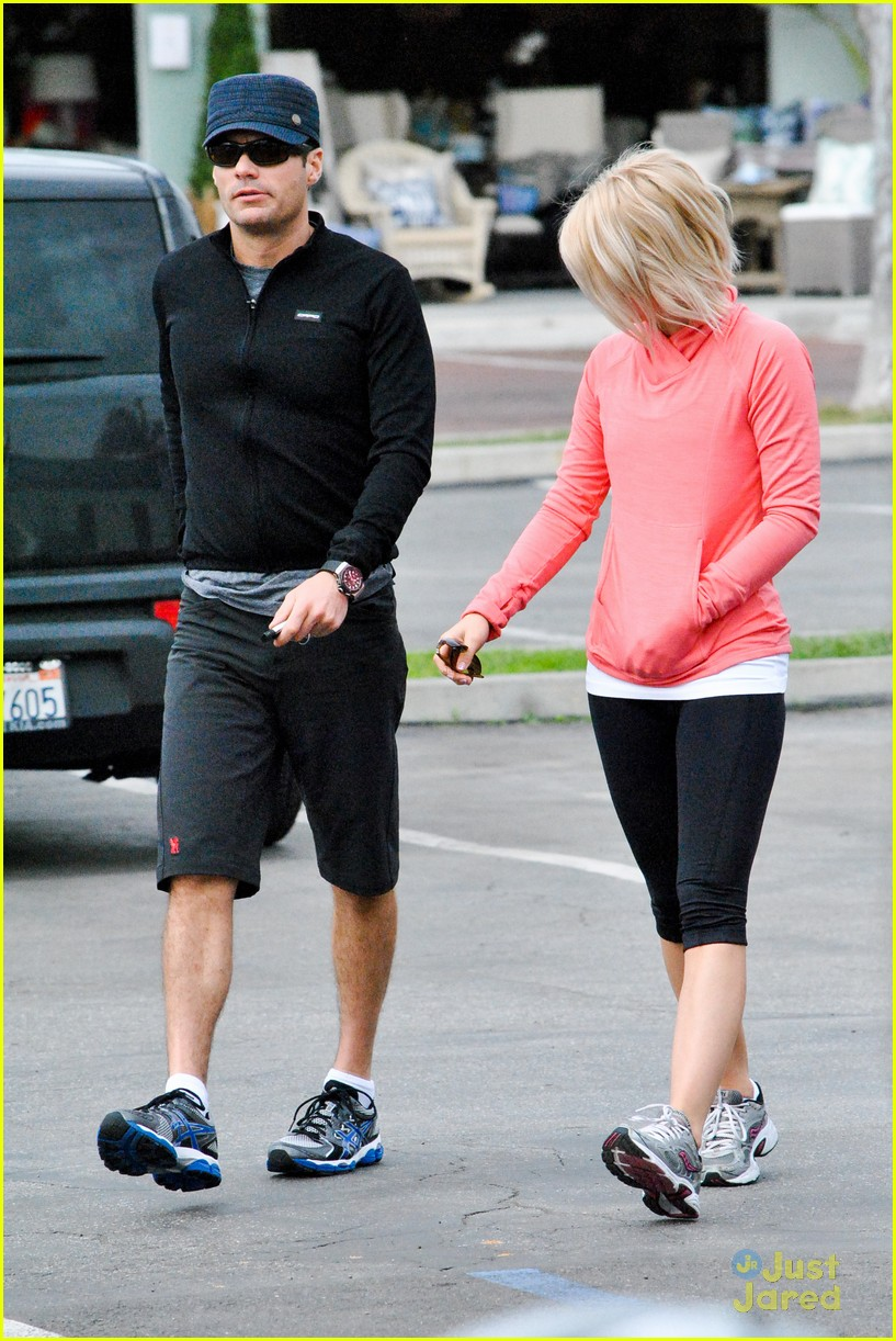 julianne hough coffee run 11