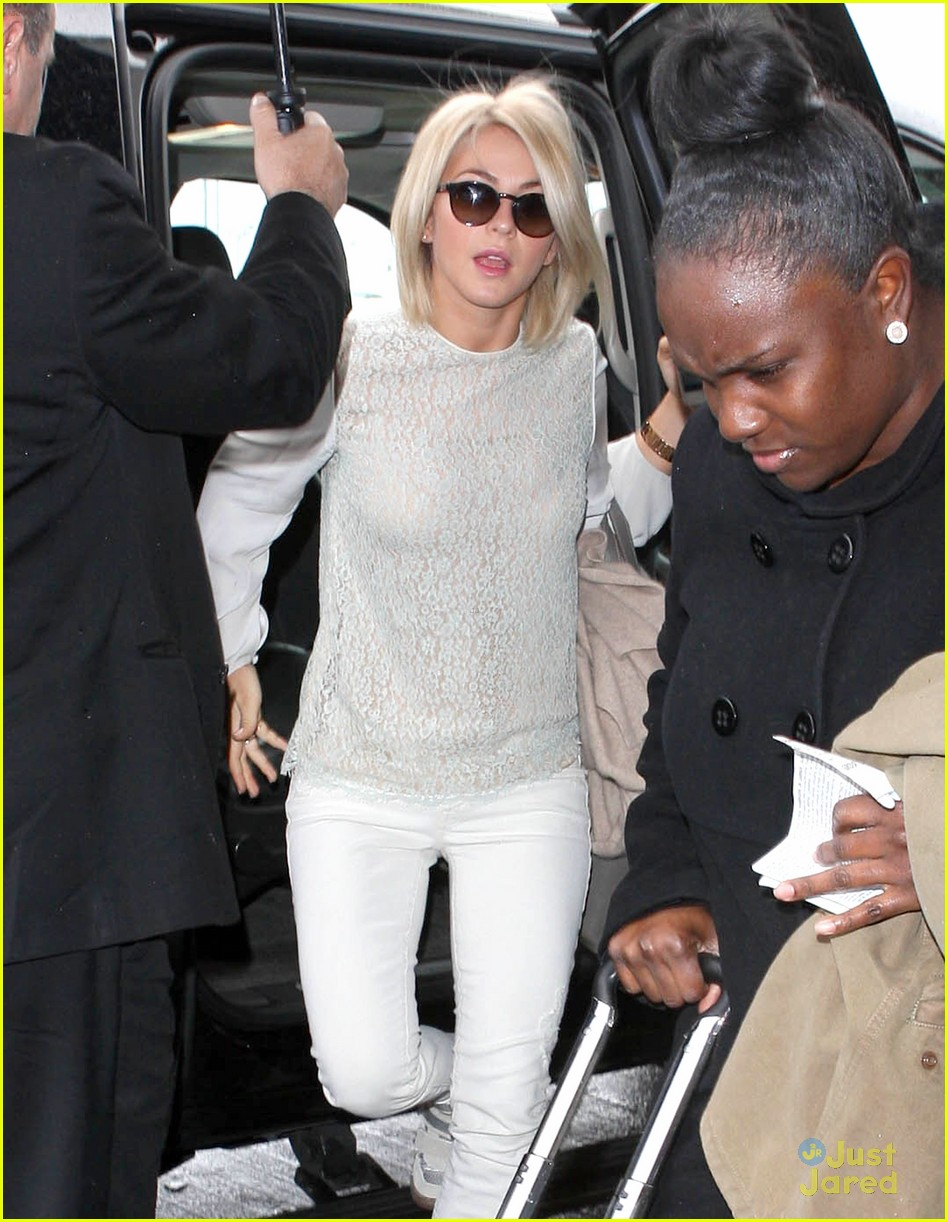 julianne hough lax arrival 04