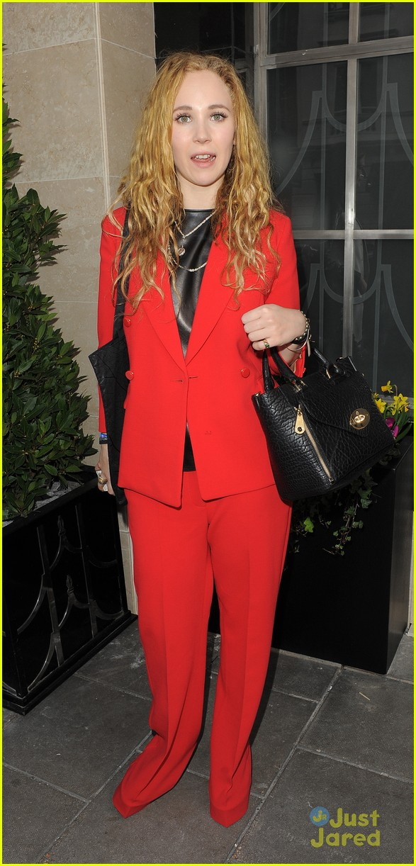 juno temple mulberry show gno role 01