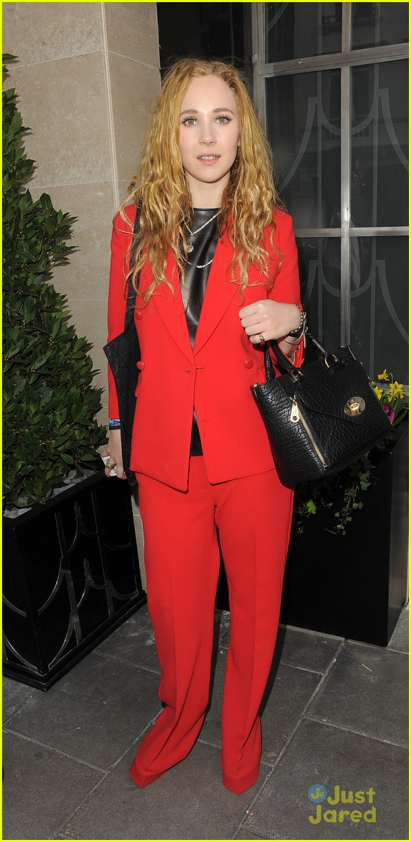 juno temple mulberry show gno role 02