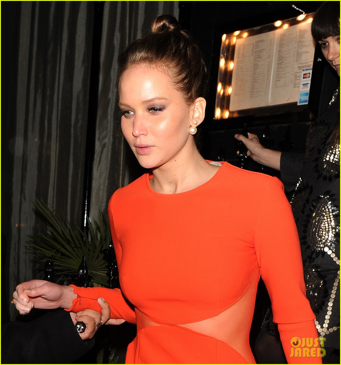 jennifer lawrence lovely london dinner 06