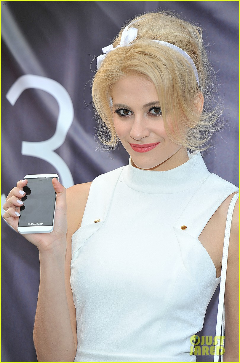 pixie lott blackberry z10 launch event 12