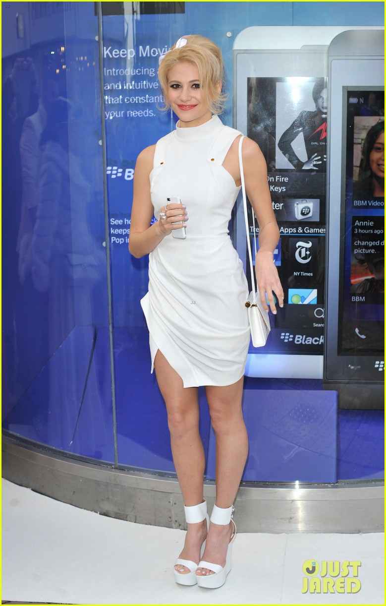 pixie lott blackberry z10 launch event 20