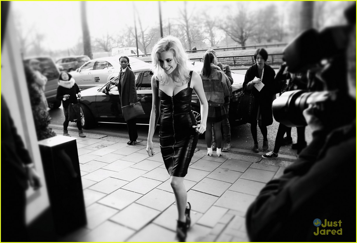 pixie lott koma temperly lfw 04