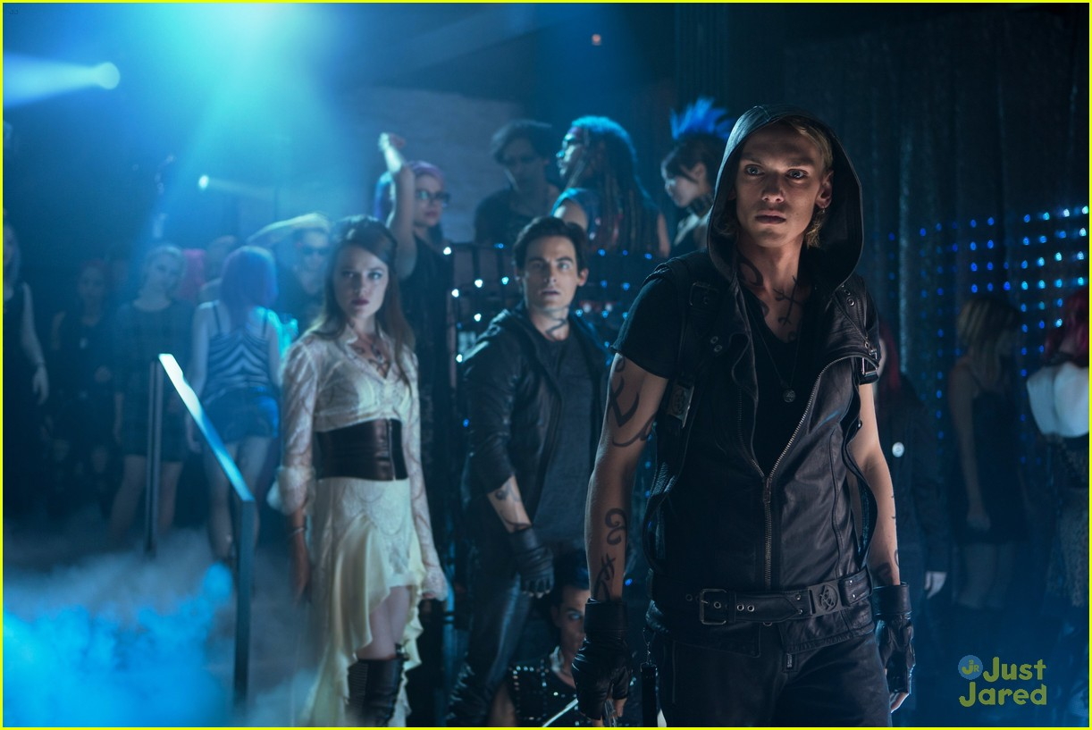 lily collins jamie campbell bower mortal instruments stills 03