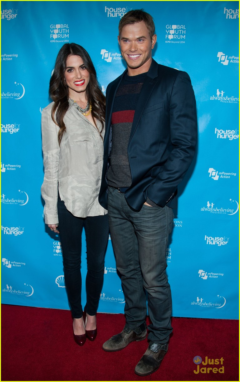 nikki reed kellan lutz mpowering grammy event 04