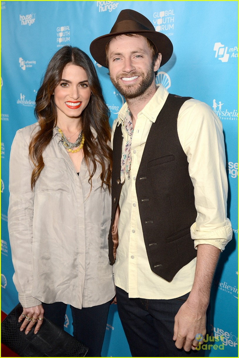 nikki reed kellan lutz mpowering grammy event 17
