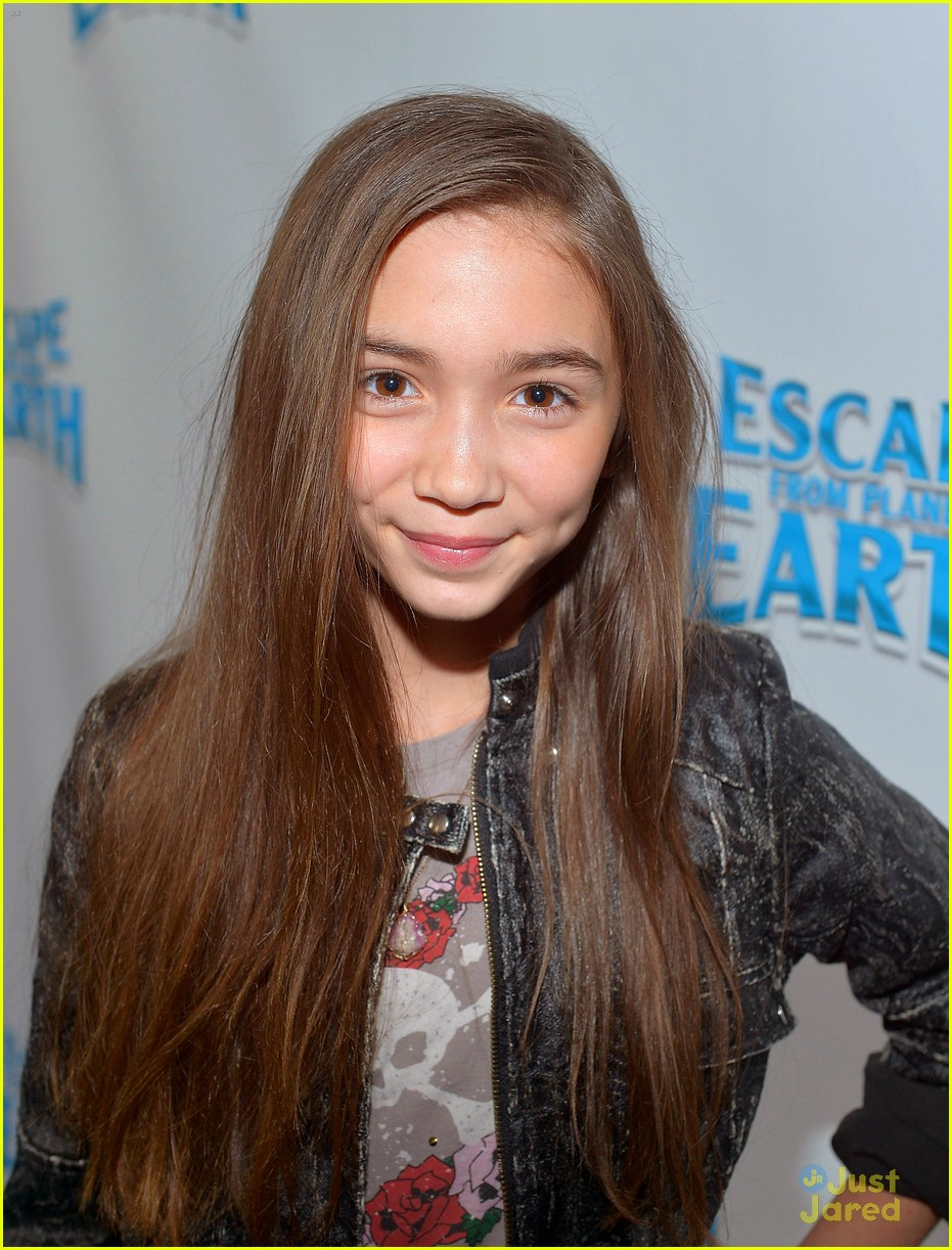 rowan blanchard escape earth premiere 04