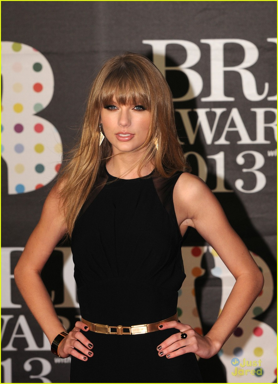 taylor swift brit awards 17
