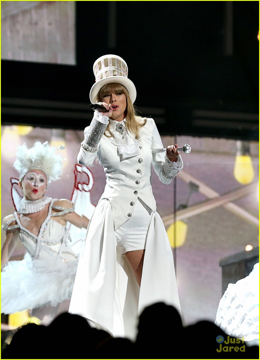 taylor swift grammys performance 08