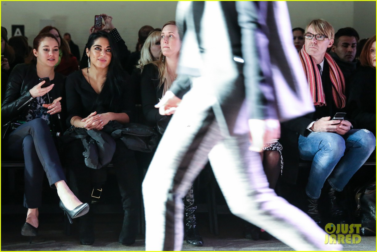 shailene woodley front row nyfw 15