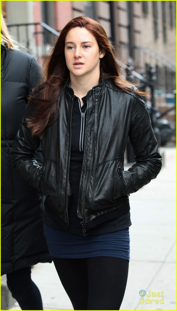 shailene woodley red hair for amazing spider man 2 filming 09