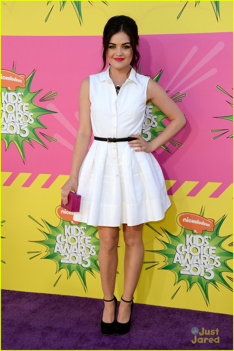 lucy hale kids choice awards 2013 red carpet 01