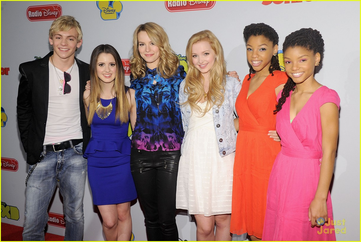 Liv & Maddie ( Dove Cameron ) & NBT's ( Chloe & Halle ) All attended