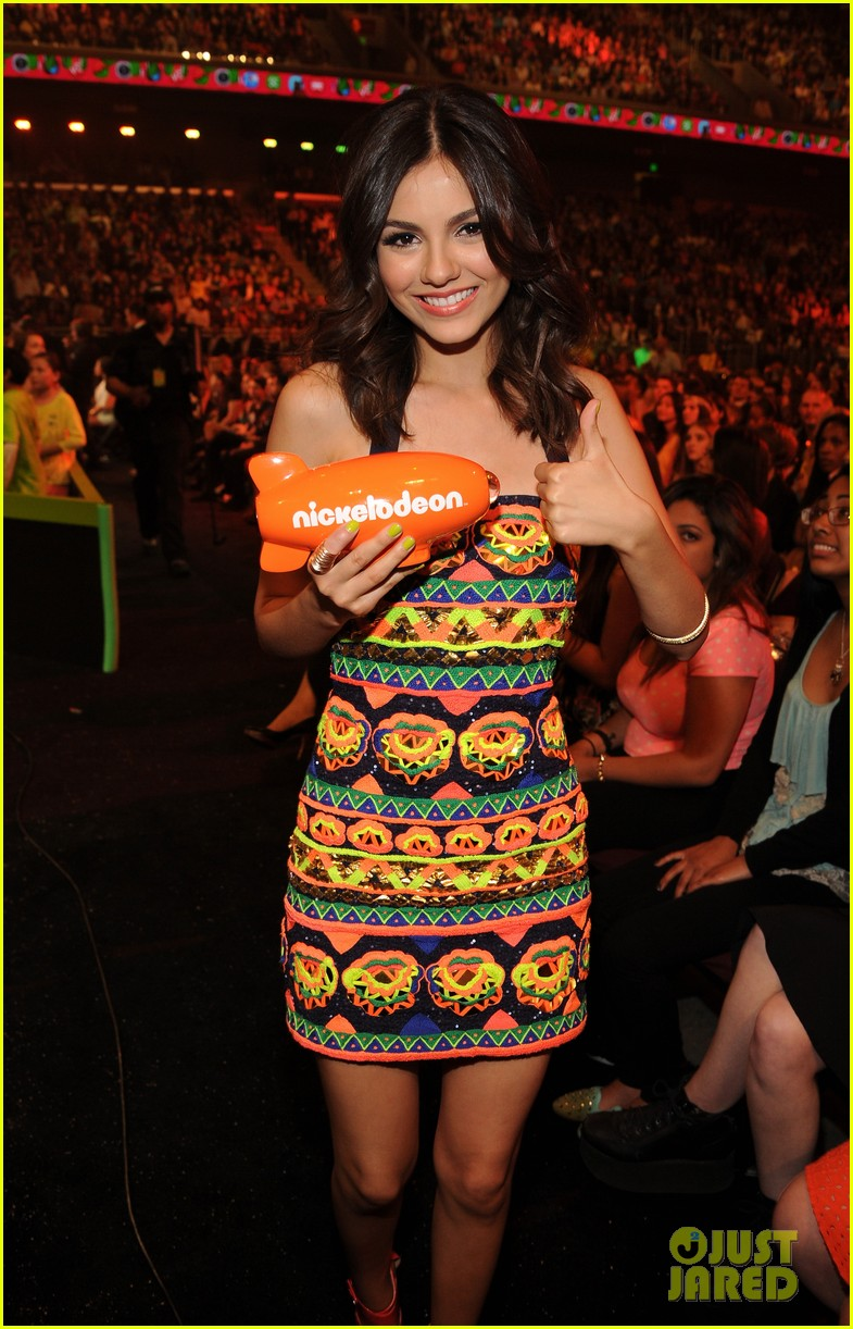 victoria justice victorious kids choice winner 15