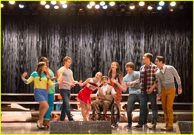 jessica sanchez first look at glee appearance 03