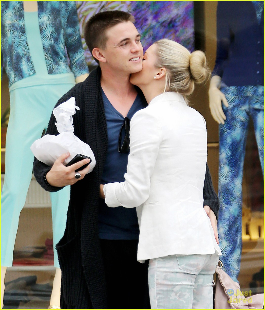 Jesse McCartney with beautiful, Girlfriend Katie Peterson