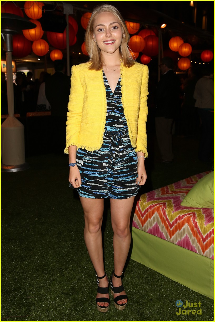 annasophia robb city year spring break fundraiser 02