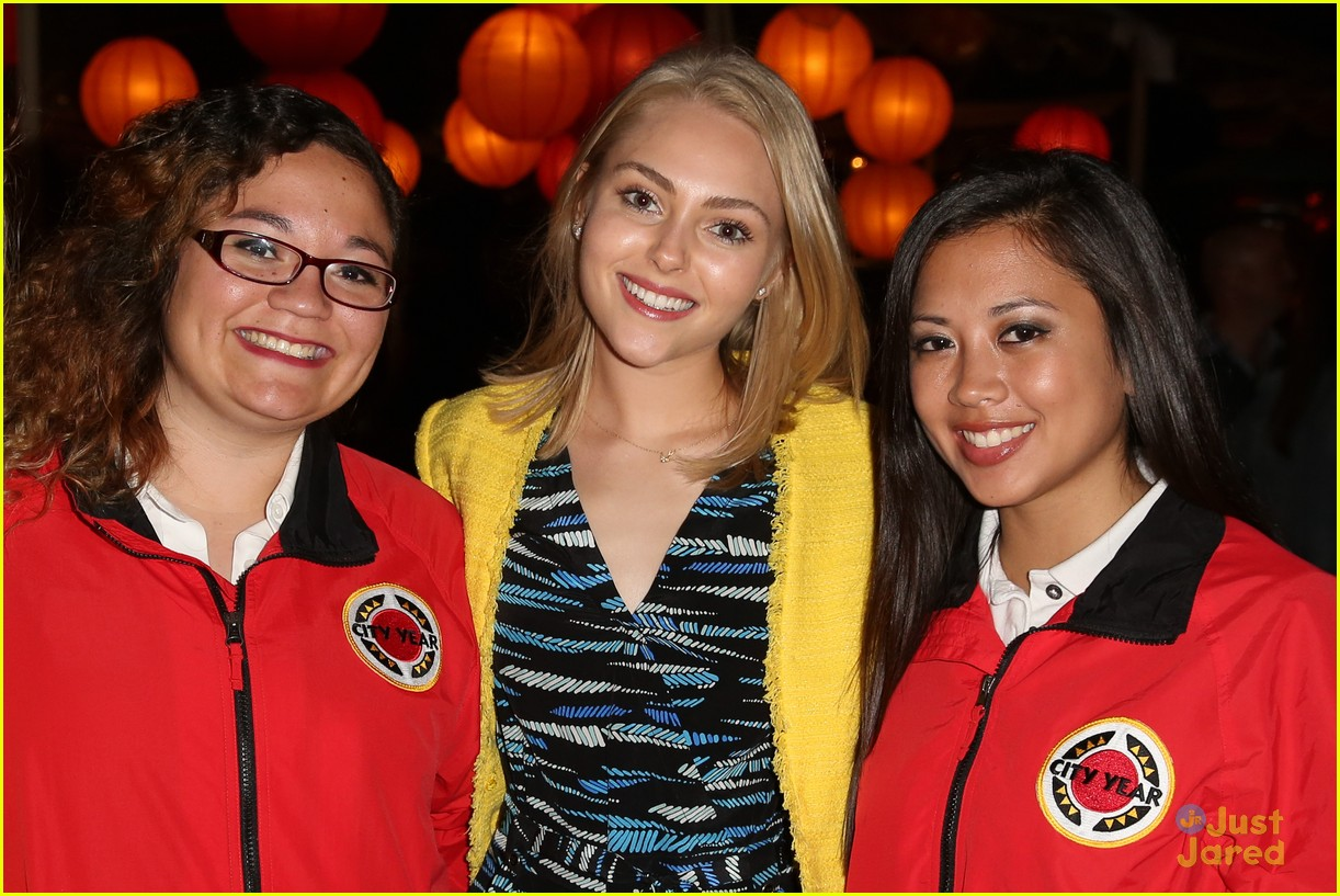 annasophia robb city year spring break fundraiser 05