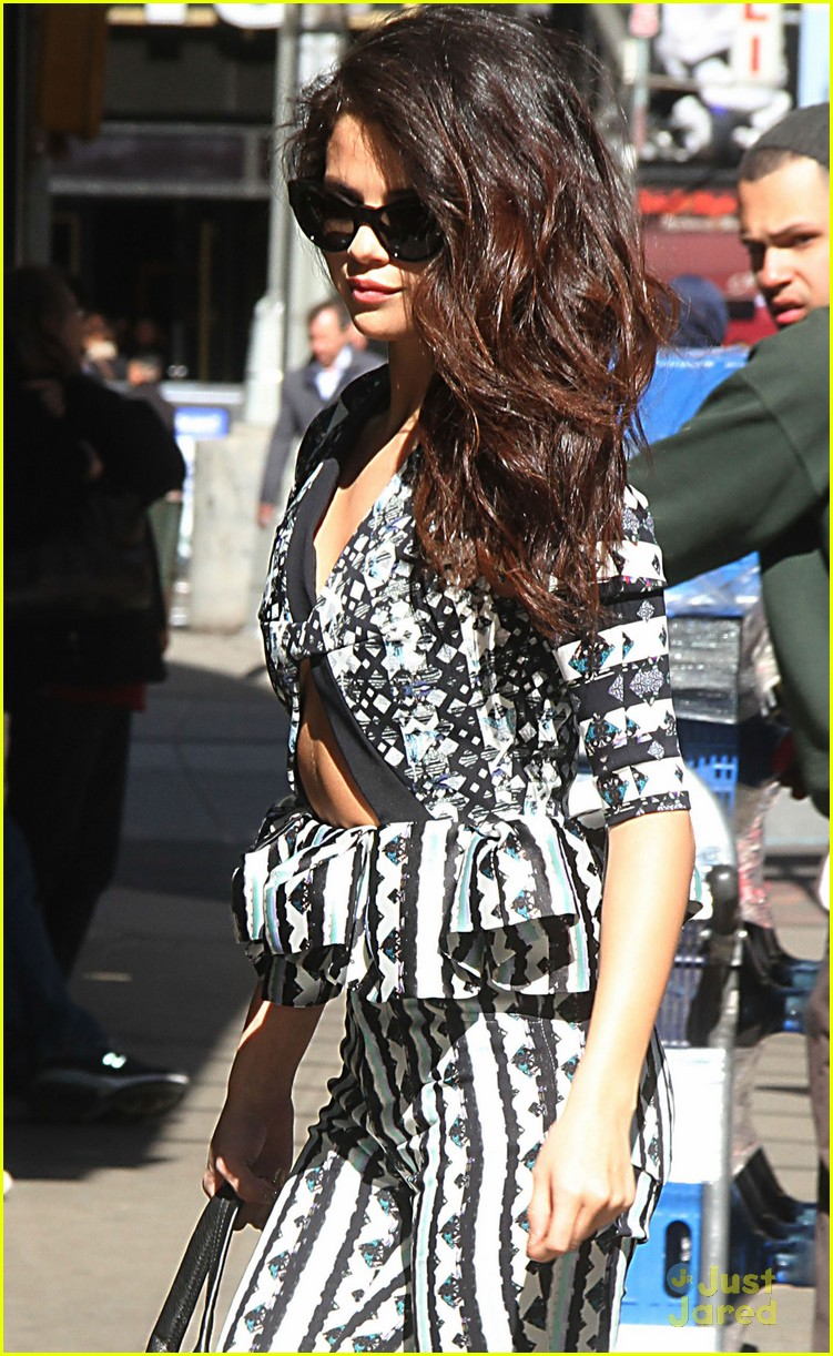 selena gomez good morning america stop 01