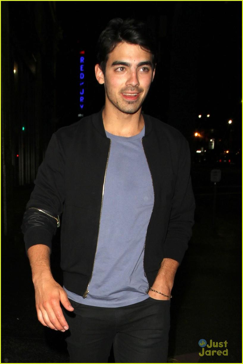 Joe Jonas  Sushi Stop with Mikey Deleasa Joe Jonas 2010 Photoshoot