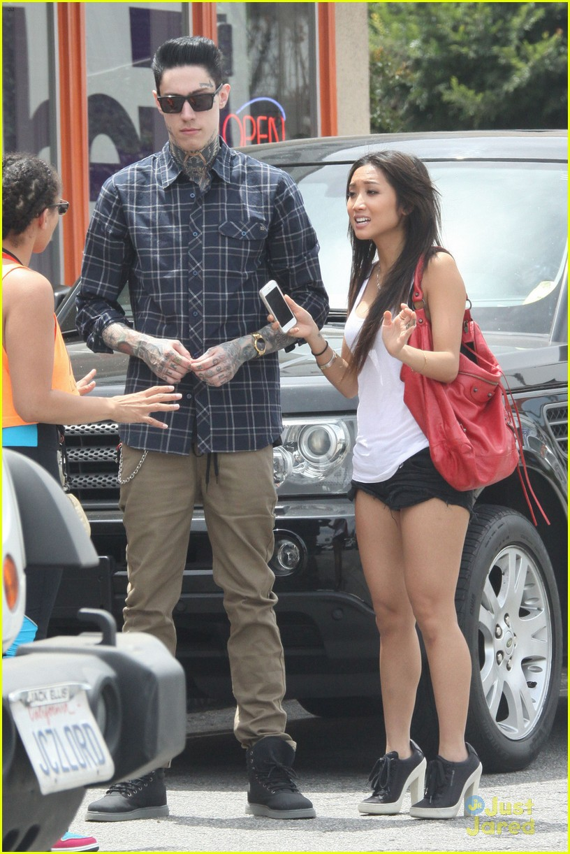 brenda song amp trace cyrus sushi lunch duo photo 568194