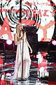 Danielle-hunter the voice finale danielle bradbery hunter hayes perform watch now 02