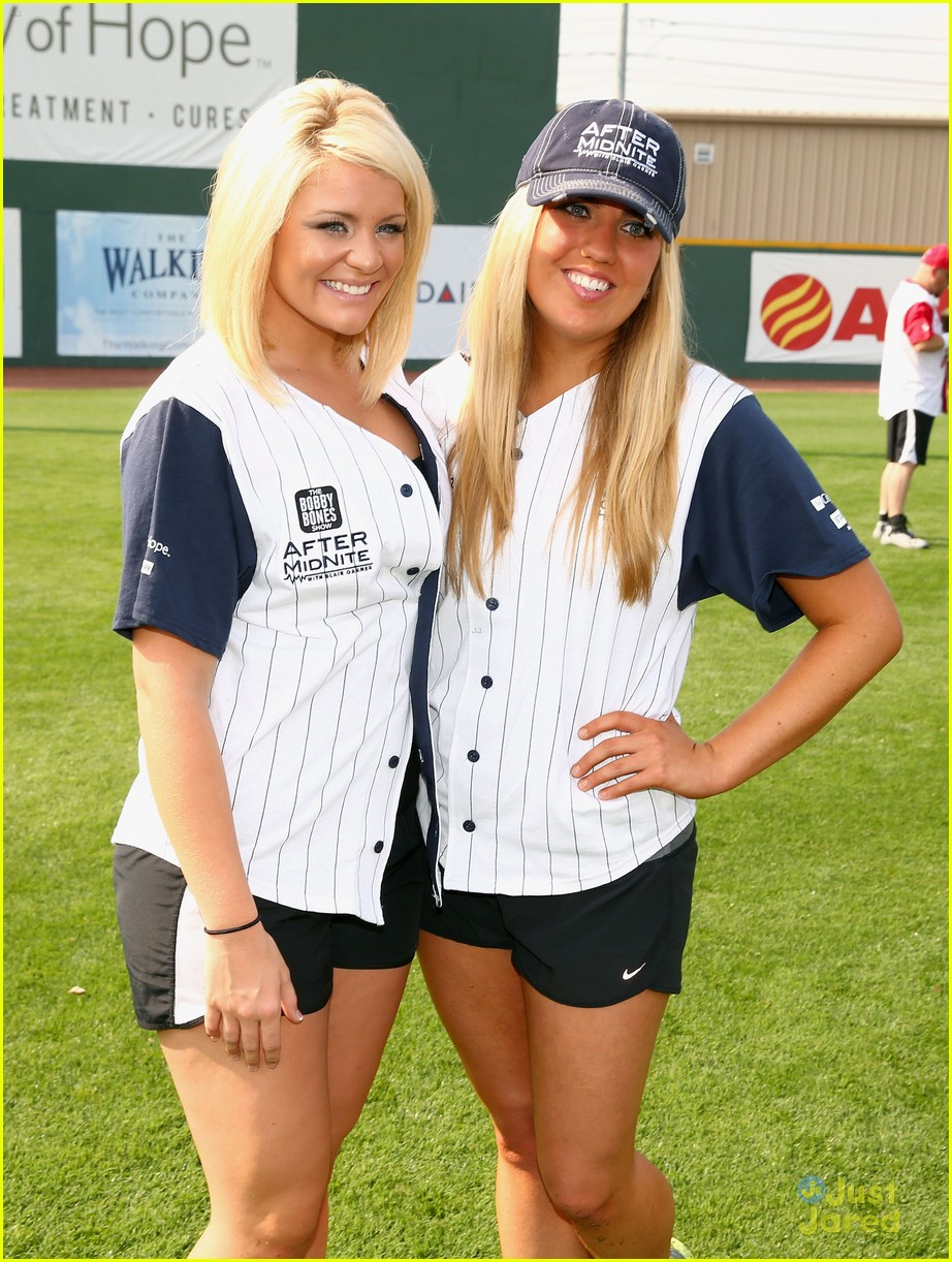 lauren alaina city hope softball game 03