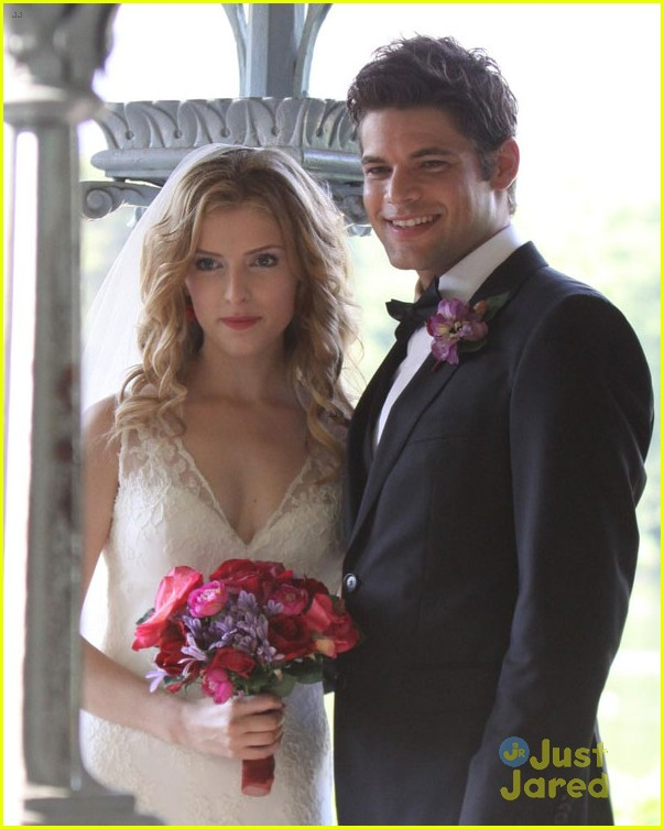 anna kendrick jeremy jordan last five years wedding photos 07