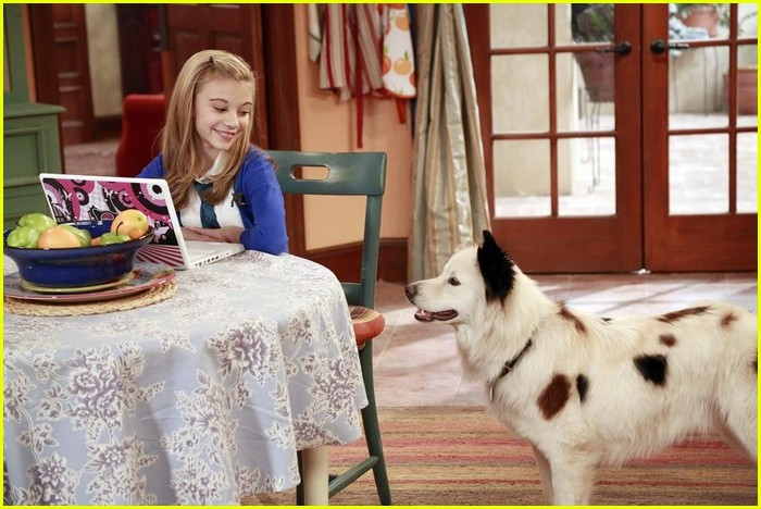G. Hannelius is President on 'Dog With A Blog'! | Photo ...