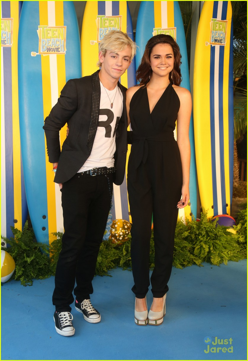 ross lynch maia mitchell teen beach movie screening 06
