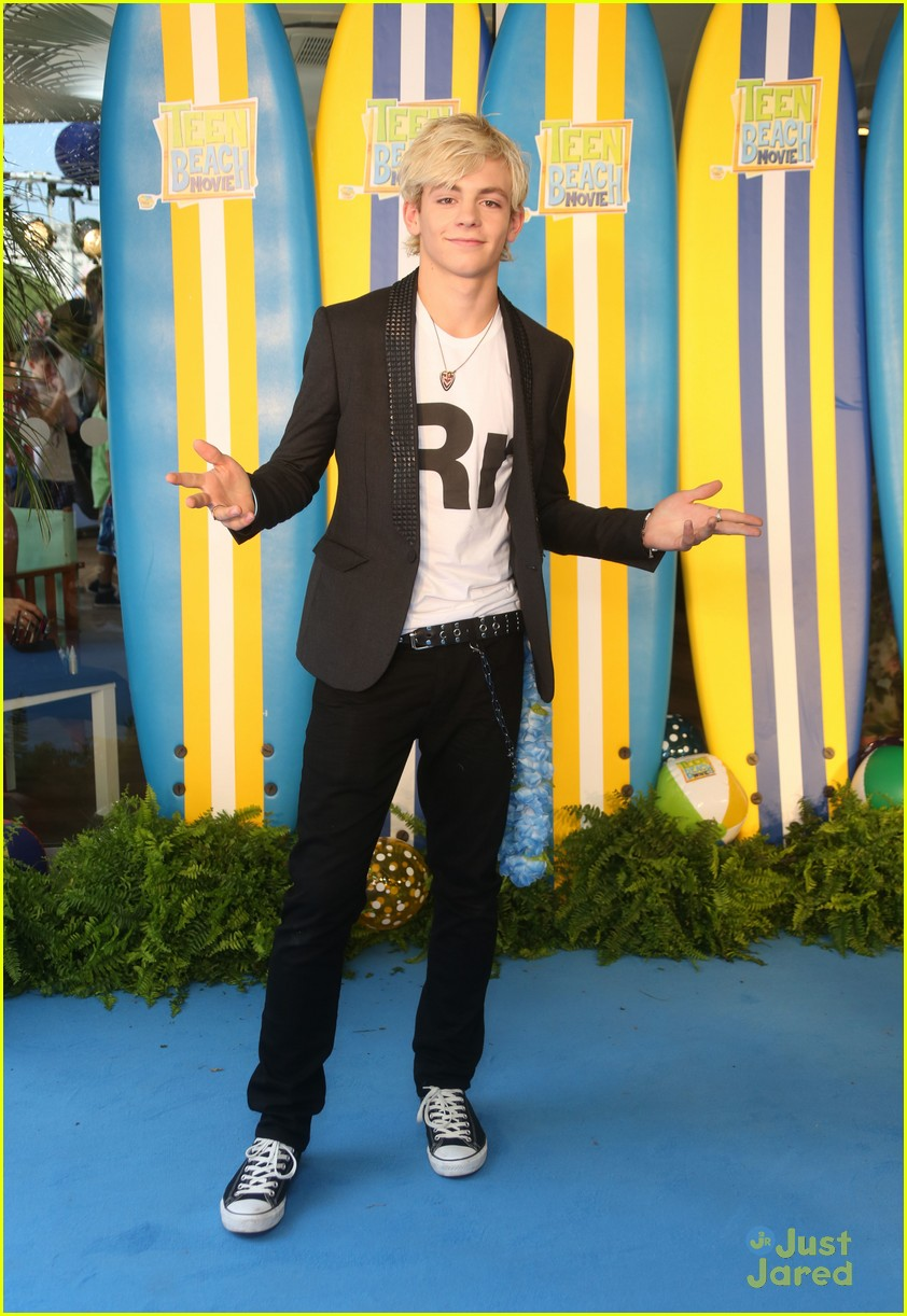 ross lynch maia mitchell teen beach movie screening 14