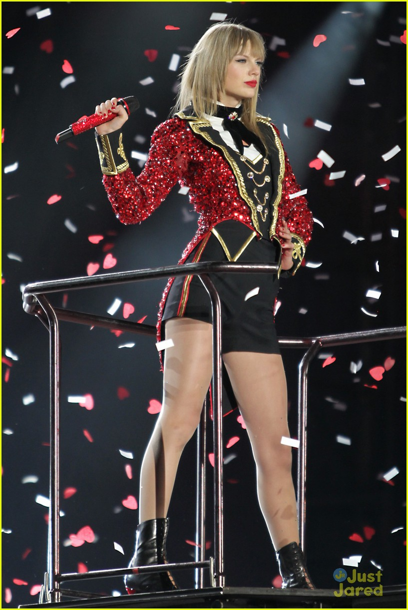 Taylor Swift Red Tour Pictures