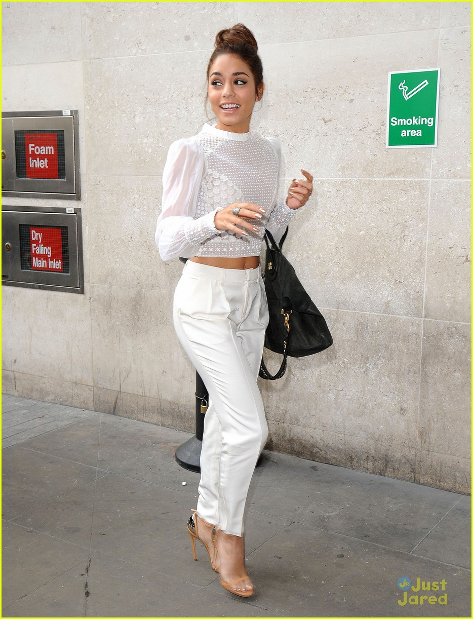 vanessa hudgens lovely in london 01
