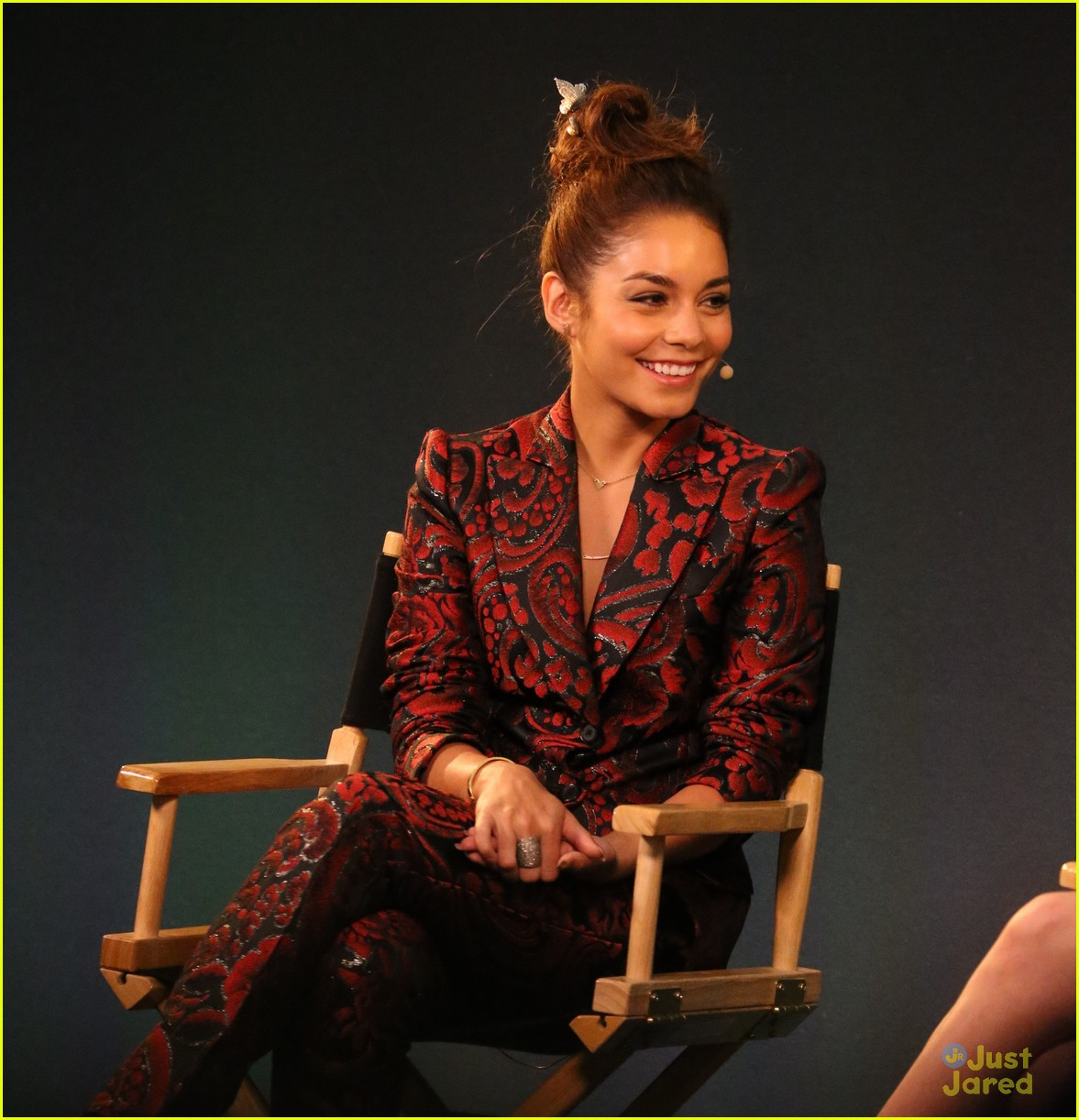 vanessa hudgens apple store 11