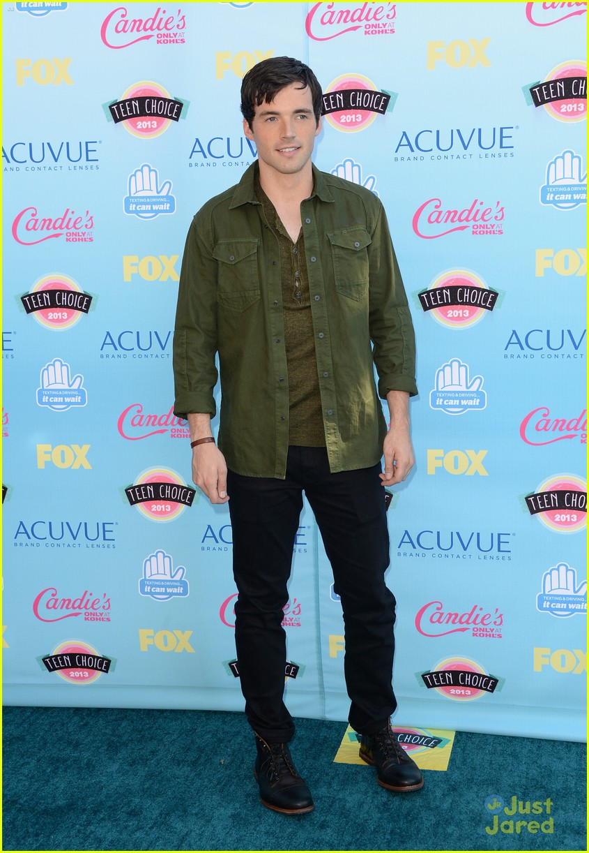 ian harding janel parrish teen choice awards 2013 04