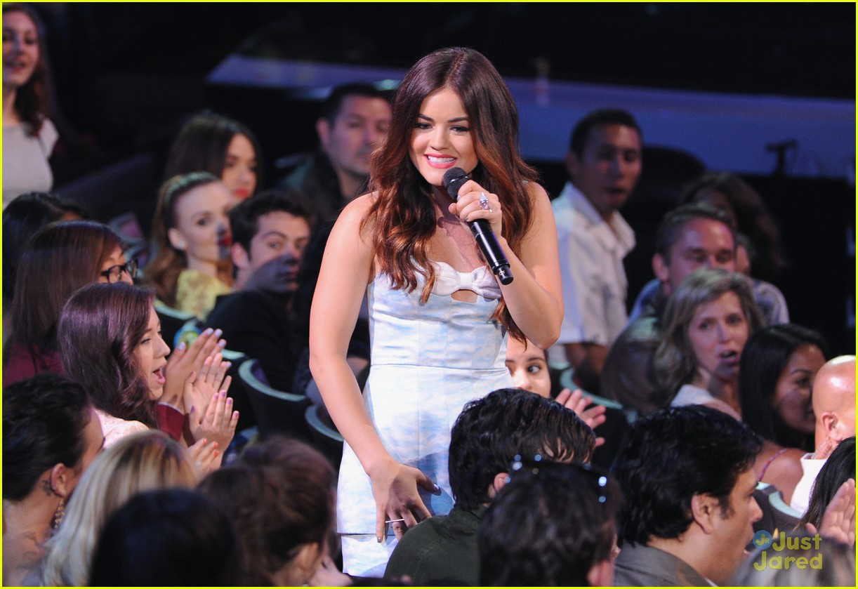lucy hale hot hosting looks tcas 07