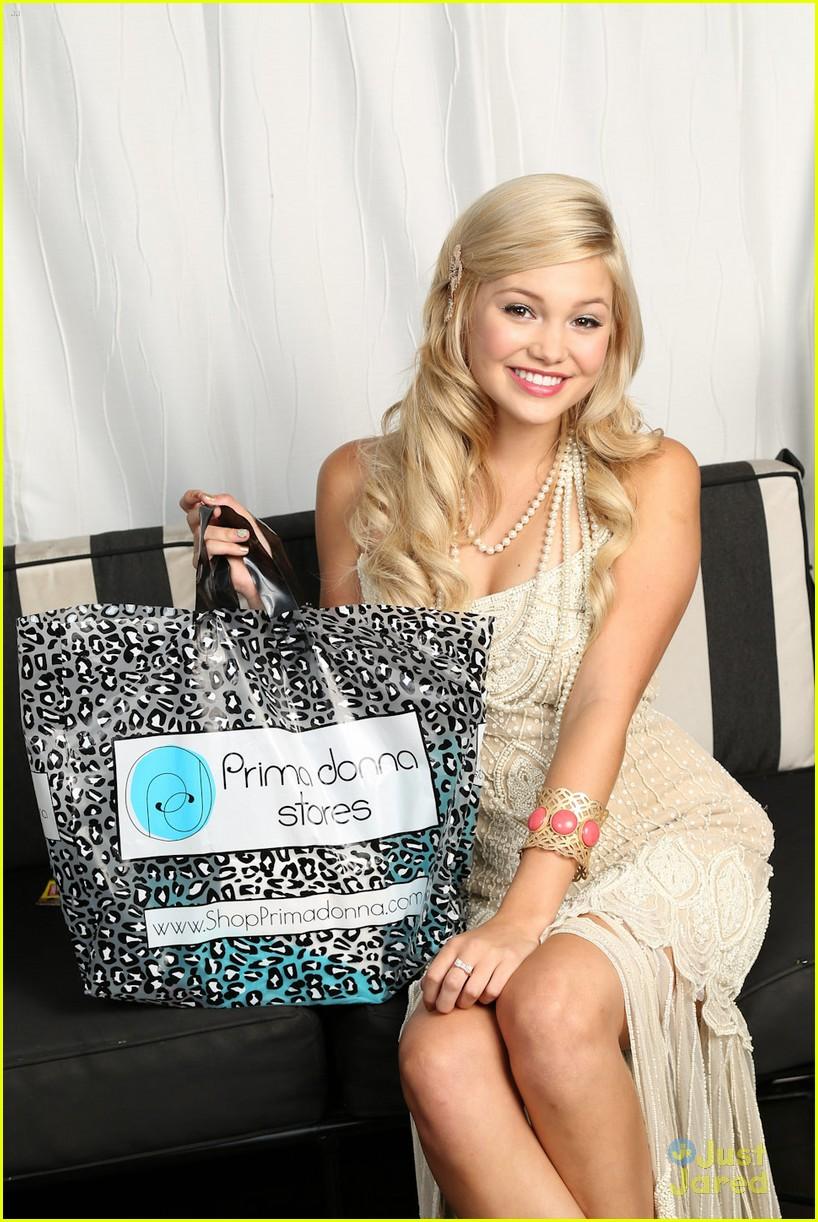 olivia holt bday gift bag 05