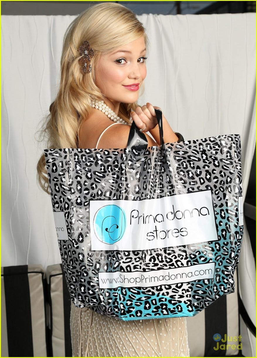 olivia holt bday gift bag 06