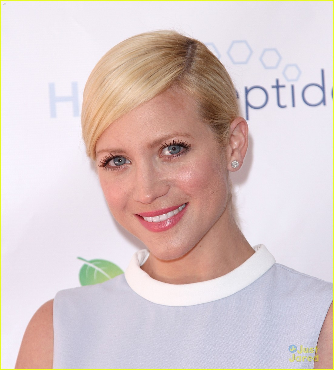 brittany snow splash spa event 01