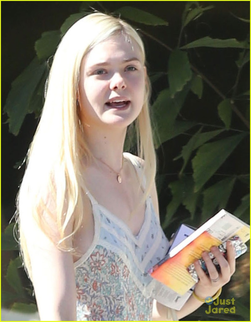 elle fanning some kids play soccer i do movies 04